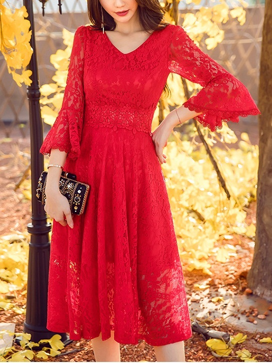 Eve Lace Bell Sleeve Midi Dress
