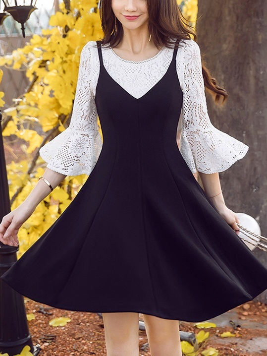 Everlyn Lace Bell Sleeve Top