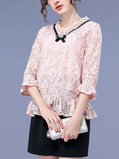 Larisa Brooch Scallop Lace Blouse