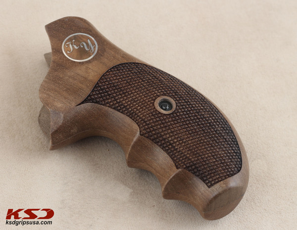 Ruger SP 101 Grip (Name and Last Name's  Letters)