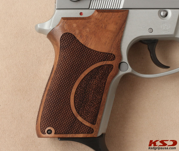 Smith & Wesson 3913TSW Grip