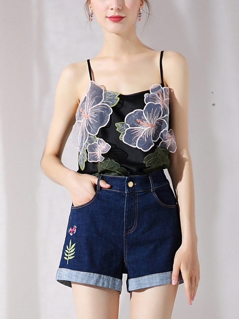 Floral Applique Sleeveless Top