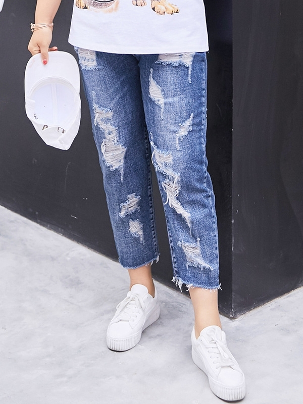 Ripped Denim Capri Jeans