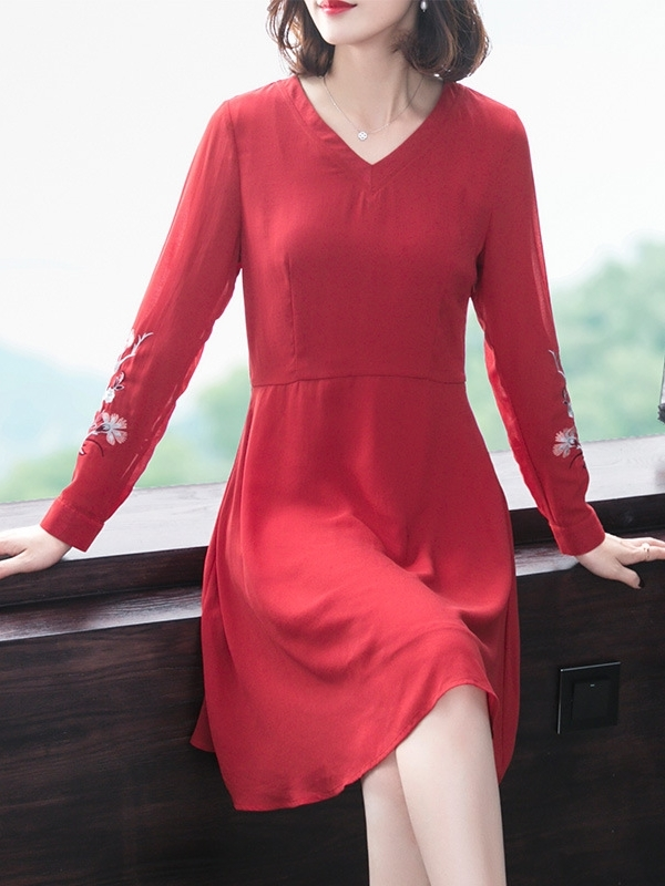 Red V-neck Embroidery Dress