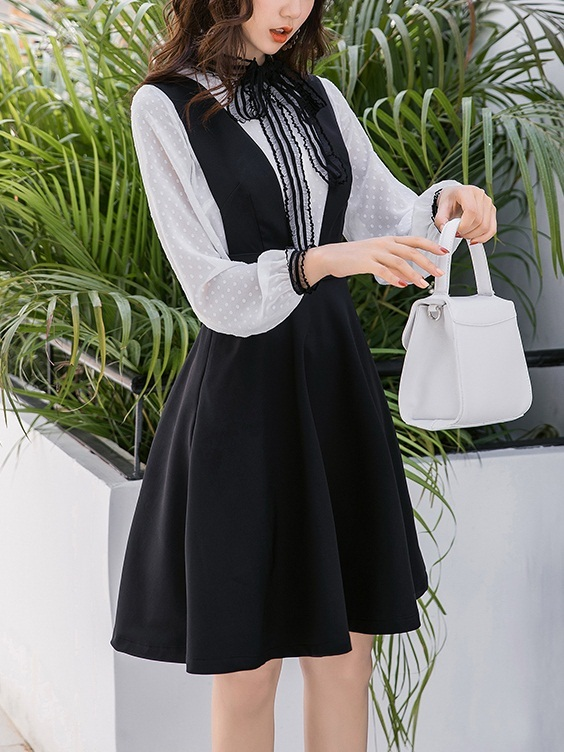 Millie [SET] Blouse and Black Pinafore Swing Dress