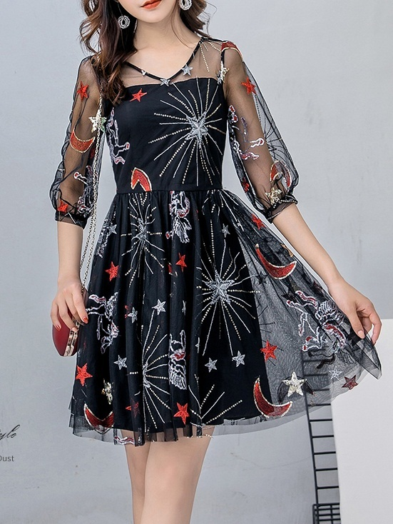 Mimsy Sweetheart Cosmic Embroidery Dress (M-4XL)