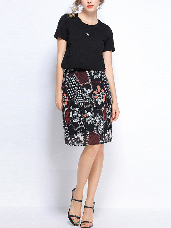 (2 PC) Penelope Star Tee and Floral Tile Skirt Set
