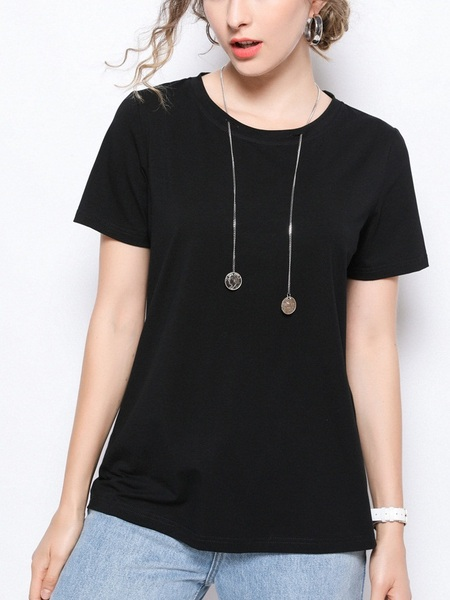 Paziah Chain Necklace Black Tee Shirt