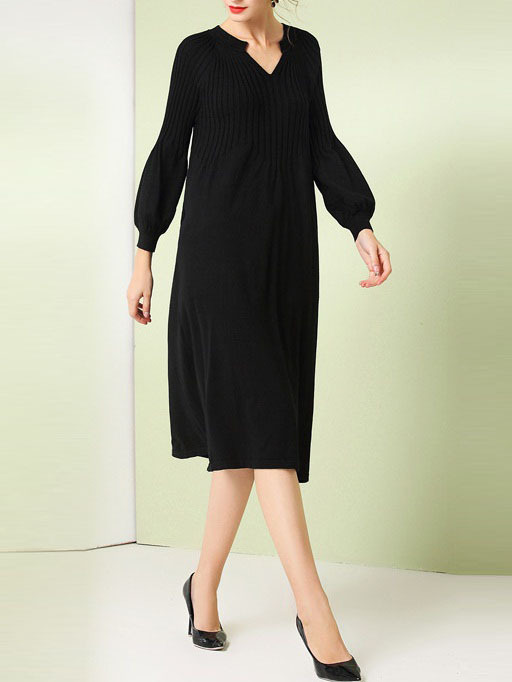 Manja Knit V-neck Black Midi Dress