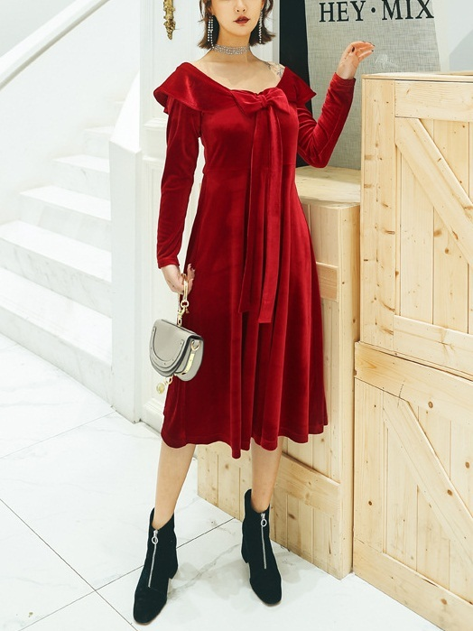 Mayan Velvet Bow Off Shoulder Midi Dress(Red)