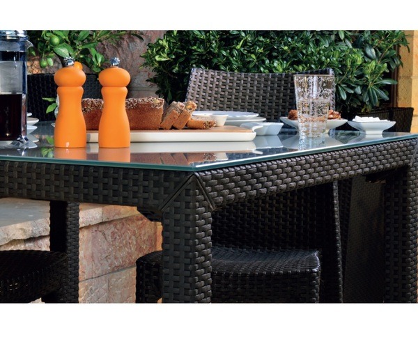 SMB-NVD80x140- Table Rattan looking Injection 80x140