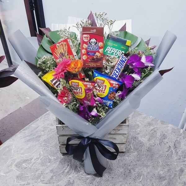 Snacks Bouquet with FREE DELIVERY
