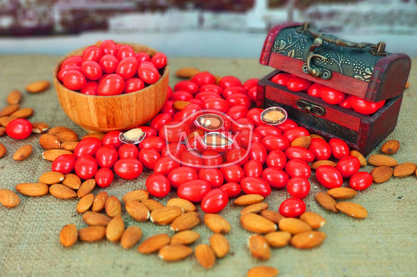 Chocolate Coated Almond Candy Red 500 gr
