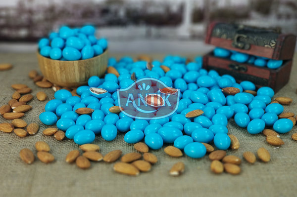 Chocolate Coated Almond Candy Blue 500 gr