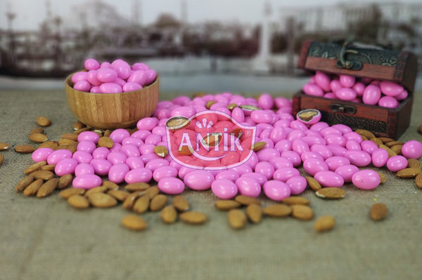 Chocolate Coated Almond Candy Pink 500 gr