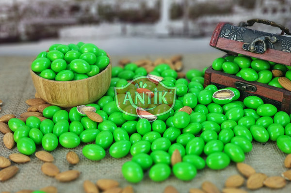 Chocolate Coated Almond Candy Green 500 gr