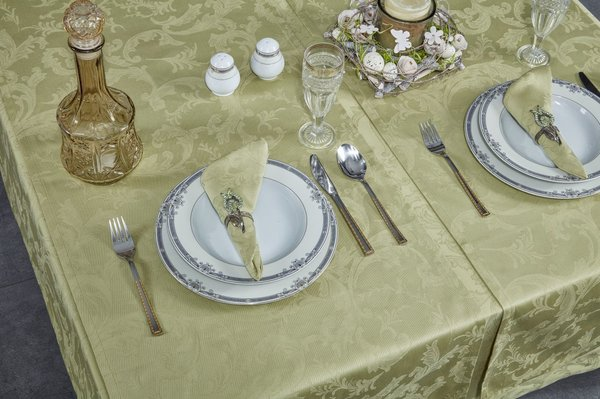 Carlton Green Lily Table Cloth