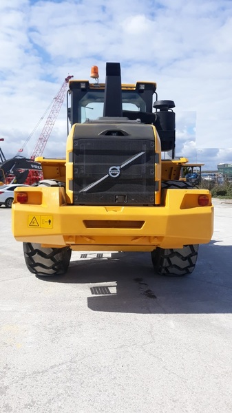 2016 Volvo 120 GZ Loader
